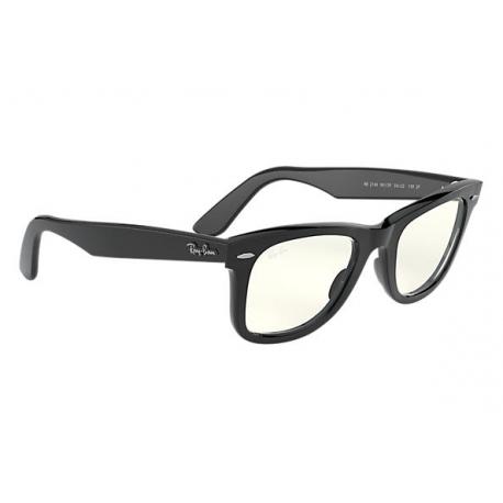 RAY BAN WAYFARER Occhiali da sole colore nero, dalla forma quadrata, lente EVOLVE